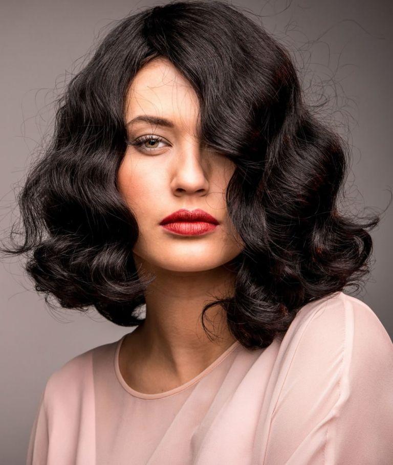 Wasserwelle Frisur Anleitung So Schon Sehen Die 20er Jahre Haare Aus Frisuren Anleitung Wasserwelle Frisur Anleit In 2020 Vintage Waves Hair Hair Styles Hair Waves