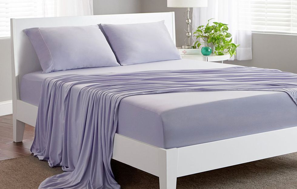 These Top Rated Cooling 100 Pure French Linen Sheets Are 20 Off