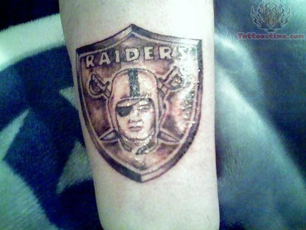 Oakland raiders tattoo images designs sports for Oakland raiders tattoos designs
