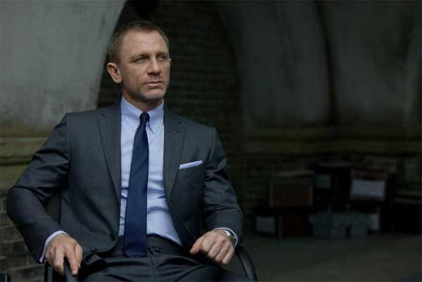 3da3c104745da dark grey suitSkyFall James Bond Sets The Tight Suit Trend Men Style Fashion  GEvAkfEH