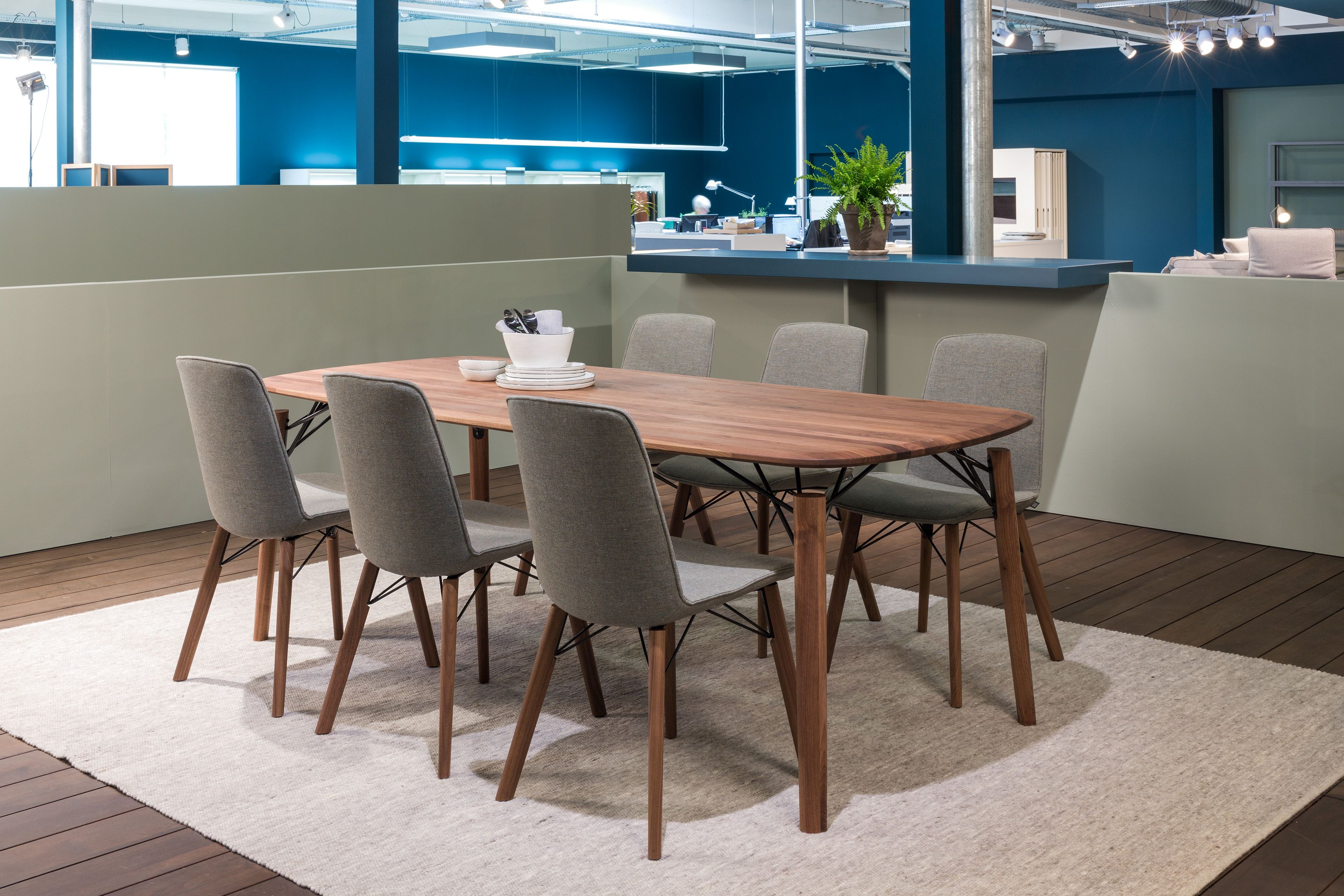 The rolf benz 964 table makes your dining room so special and