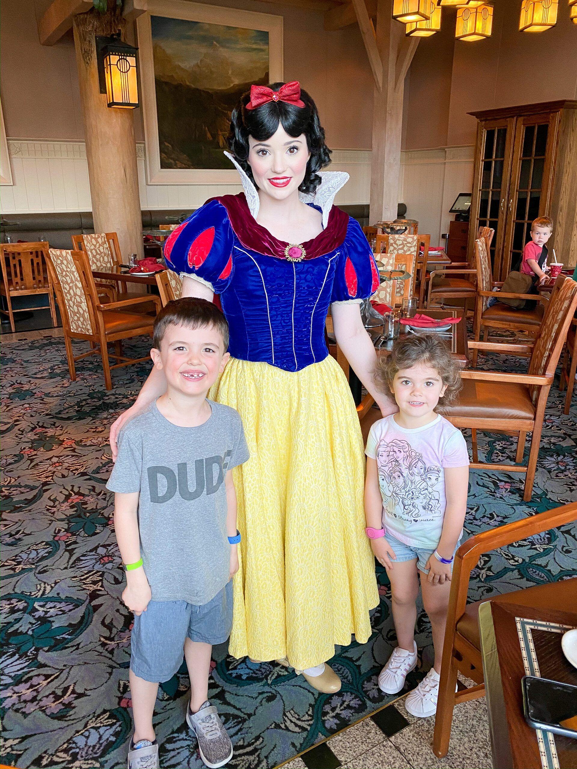 Best Character Dining at Walt Disney World - Lauren ...
