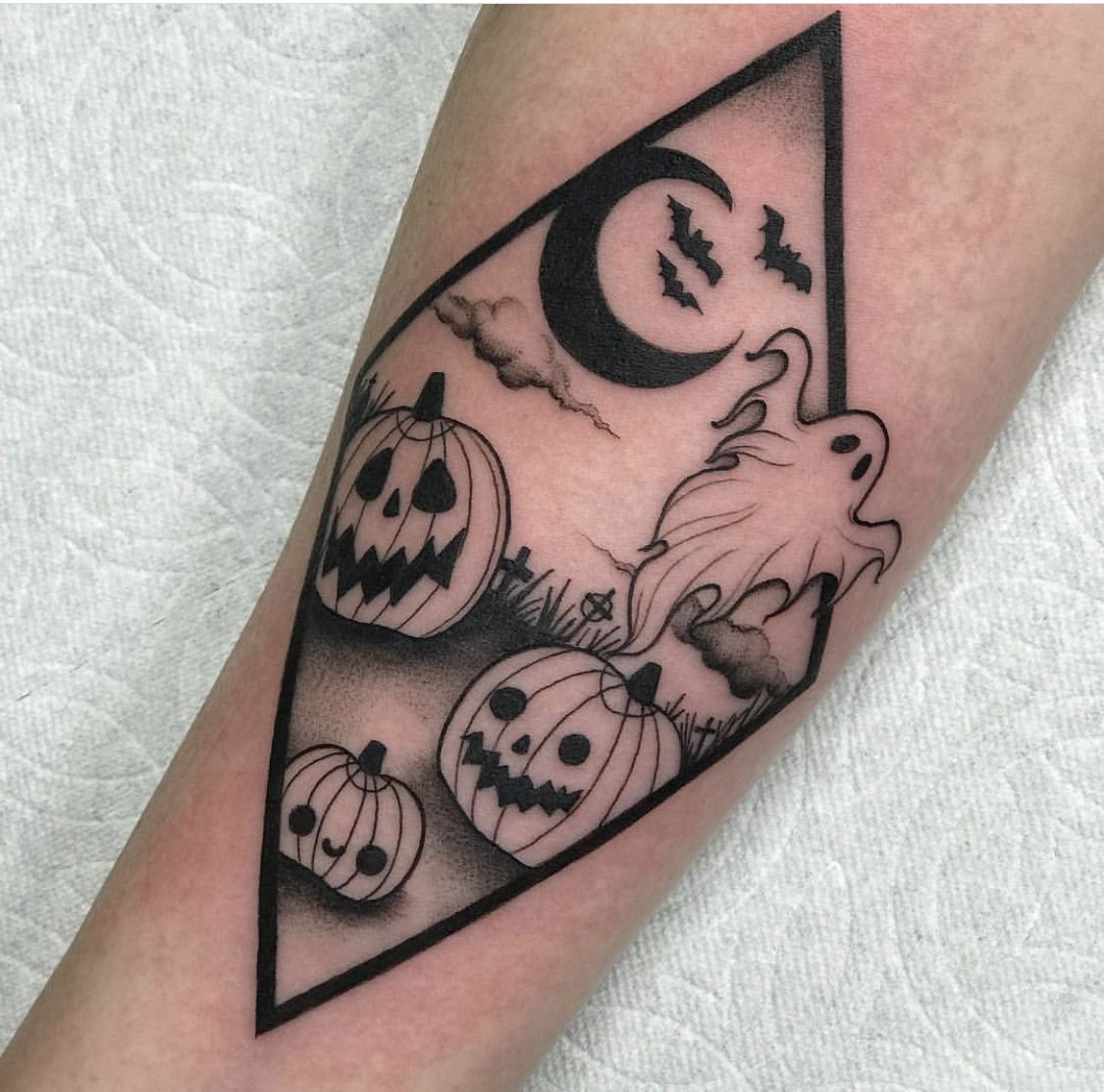 Pin by Kristen O'Shea on Tattoos Hand tattoos, Halloween