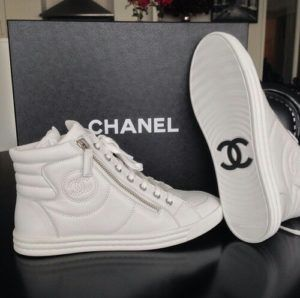 premium selection 4d5a3 ed1b0 chanel tenis blancos. chanel tenis blancos Zapatillas Chanel, Zapatillas  Adidas ...