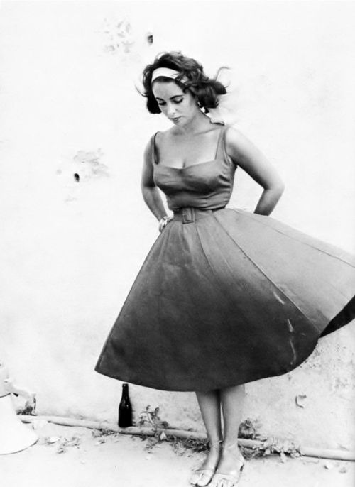 50s/60s One of my  style icons. Liz Taylor.