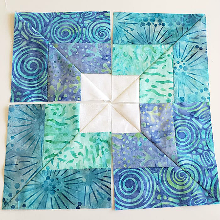 Play with Jelly Roll Strips for an Easy Quilt #jellyrollquilts