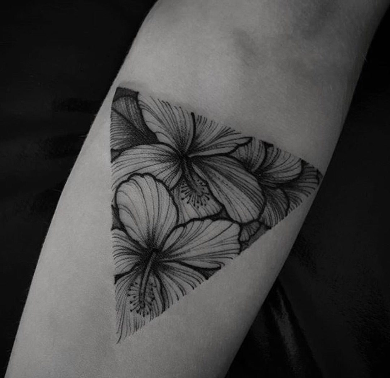 Black work tattoo hibiscus | TATTOO INSPIRATION ...