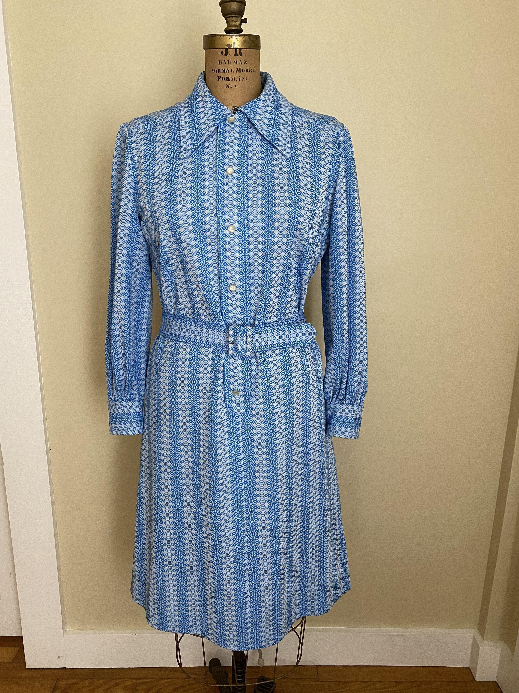 Vintage Blue And White Mod Geometric Print Dress Belted Etsy Geometric Print Dress Belted Dress Shirt Dress Style [ 3000 x 2250 Pixel ]