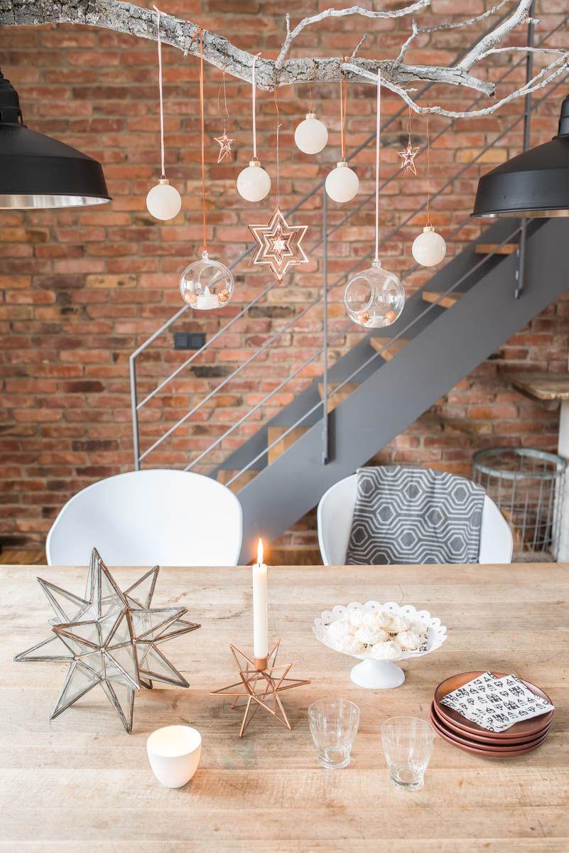 weihnachtsdeko ber dem esstisch wohnzimmer ast deko. Black Bedroom Furniture Sets. Home Design Ideas