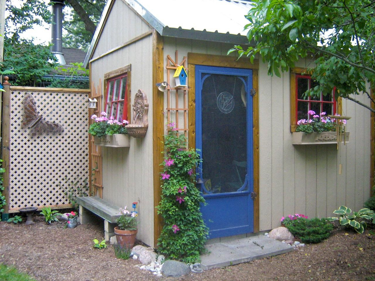 Ideas for painting your garden shed - Get Tips And Advice For Your Shed Project And Outdoor Structure Improvement Ideas That Increase Your