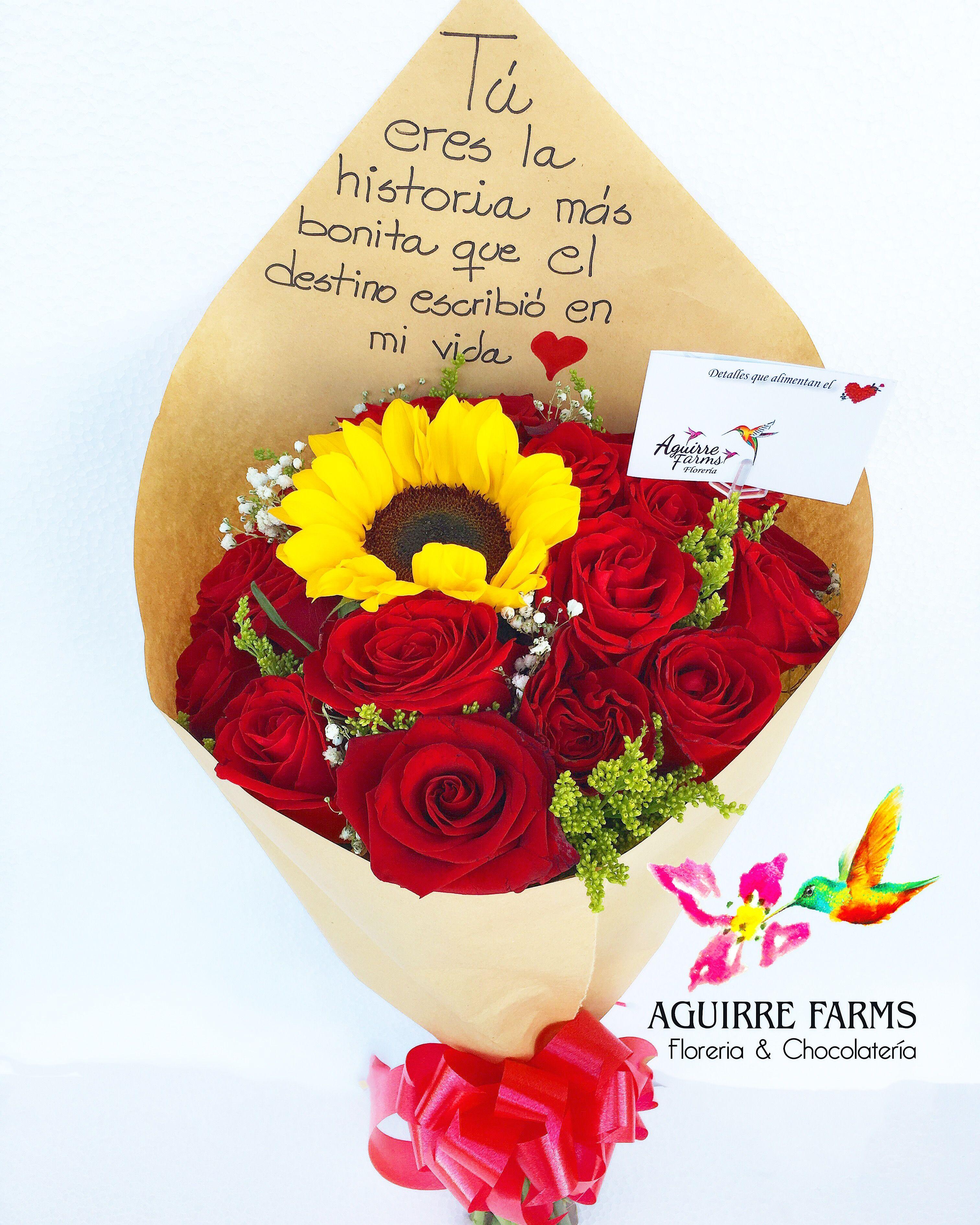 Hermoso Bouquet De Rosasrojas Con Girasoles En Papelkraft