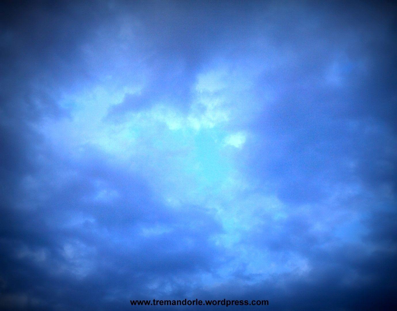 Io cerco conforto nel cielo. E la luce mi avvolgerà.