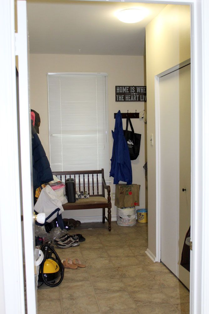 photos from this insanely awesome mudroom makeover diy home improvement ideas entryway also rh pinterest