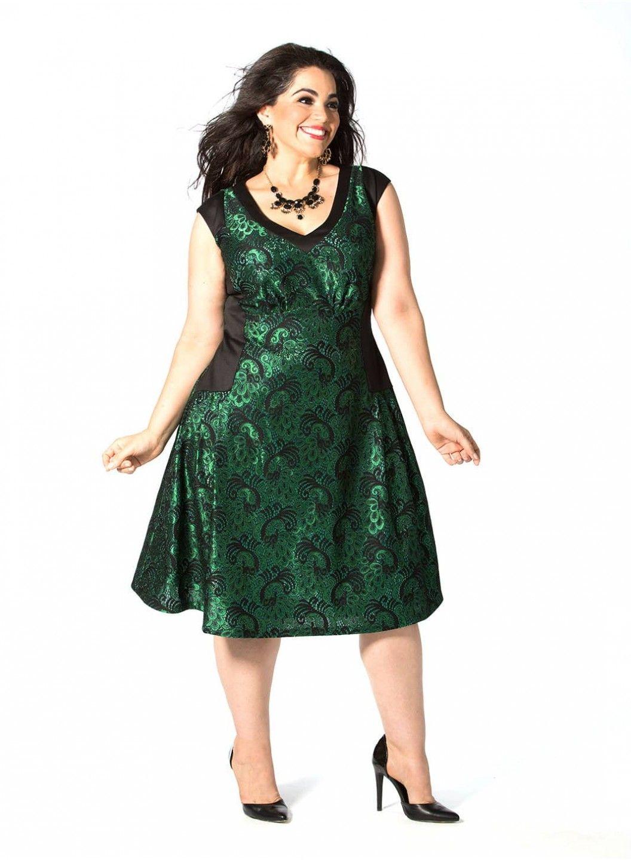Vienna Dress In Emerald Plus Size Model Nicole Zepeda Agency Msa