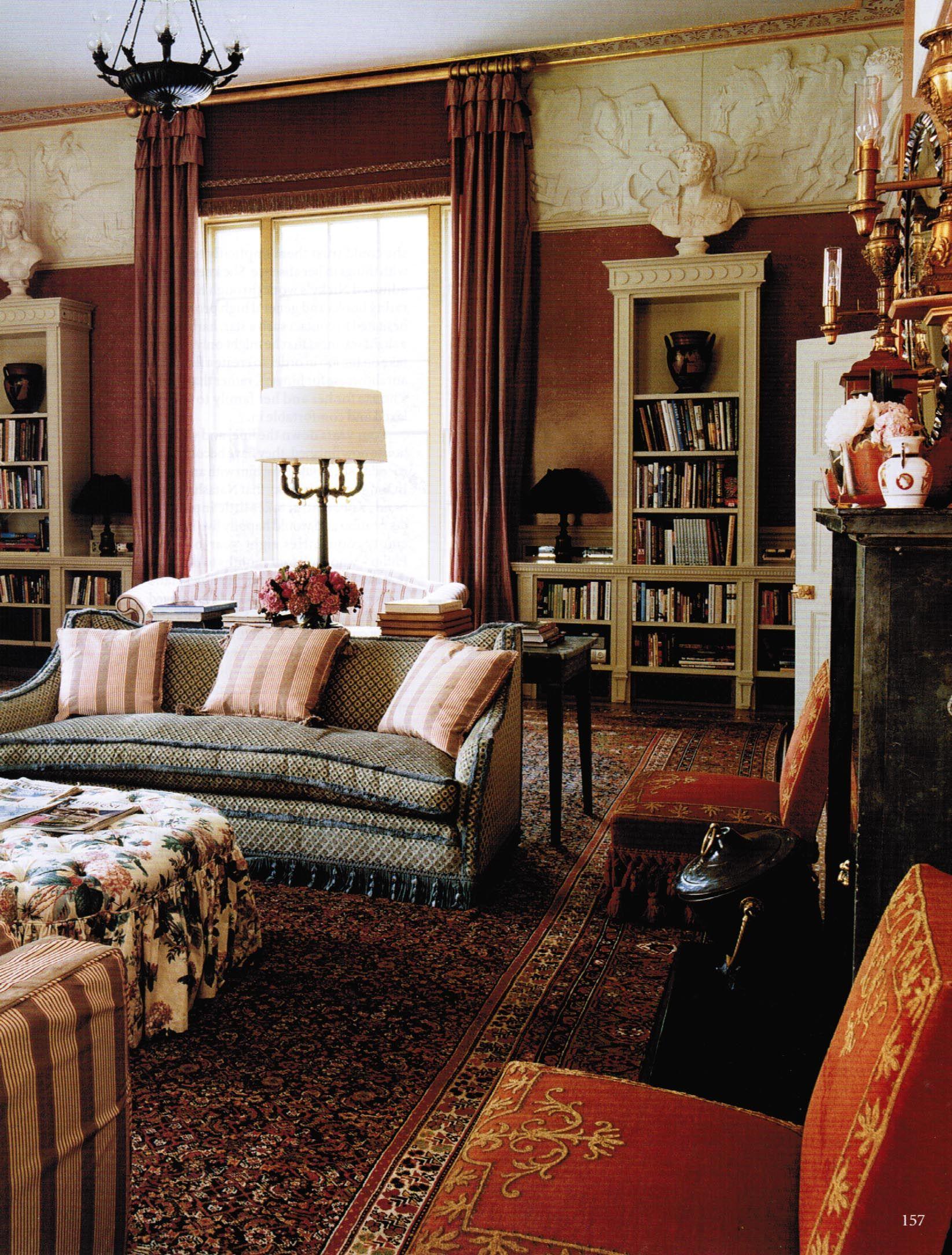 English Drawing Room: English Cottage Living Room - Nicky Haslam