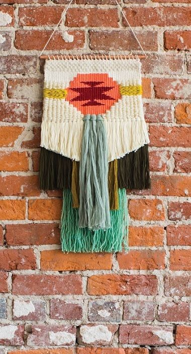 This woven wall hanging alone has 4 essential techniques to help you weave your own creative tapestries. Click here to learn the essentials of tapestry weaving!