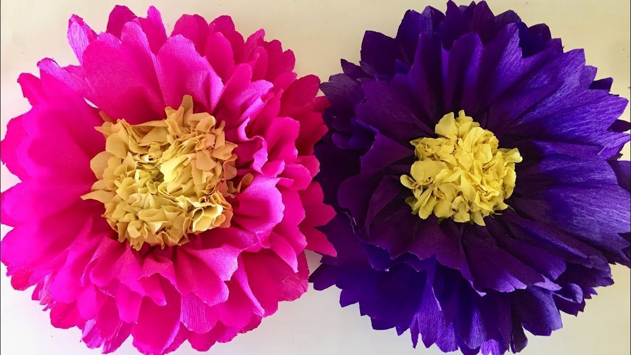 Big paper flower craft | Giant paper flowers for - Paper Flower Backdrop Wedding #paperflowerswedding