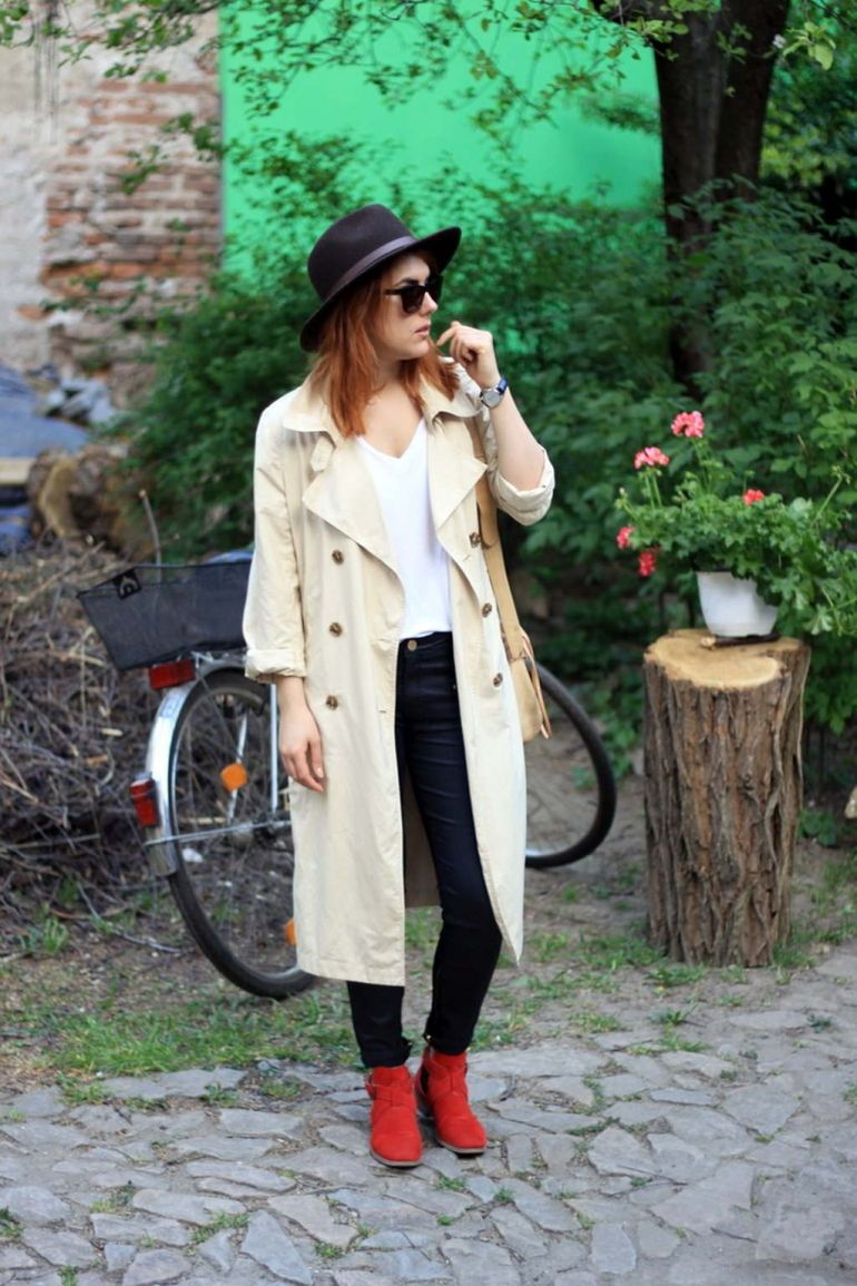 the-basics-cream-trench-red-shoes-personal-styleblogger