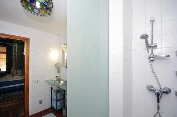 Getme Lonja 28. Alquiler de apartamento vacacional. Edificio de 4 plantas en el centro de Valencia