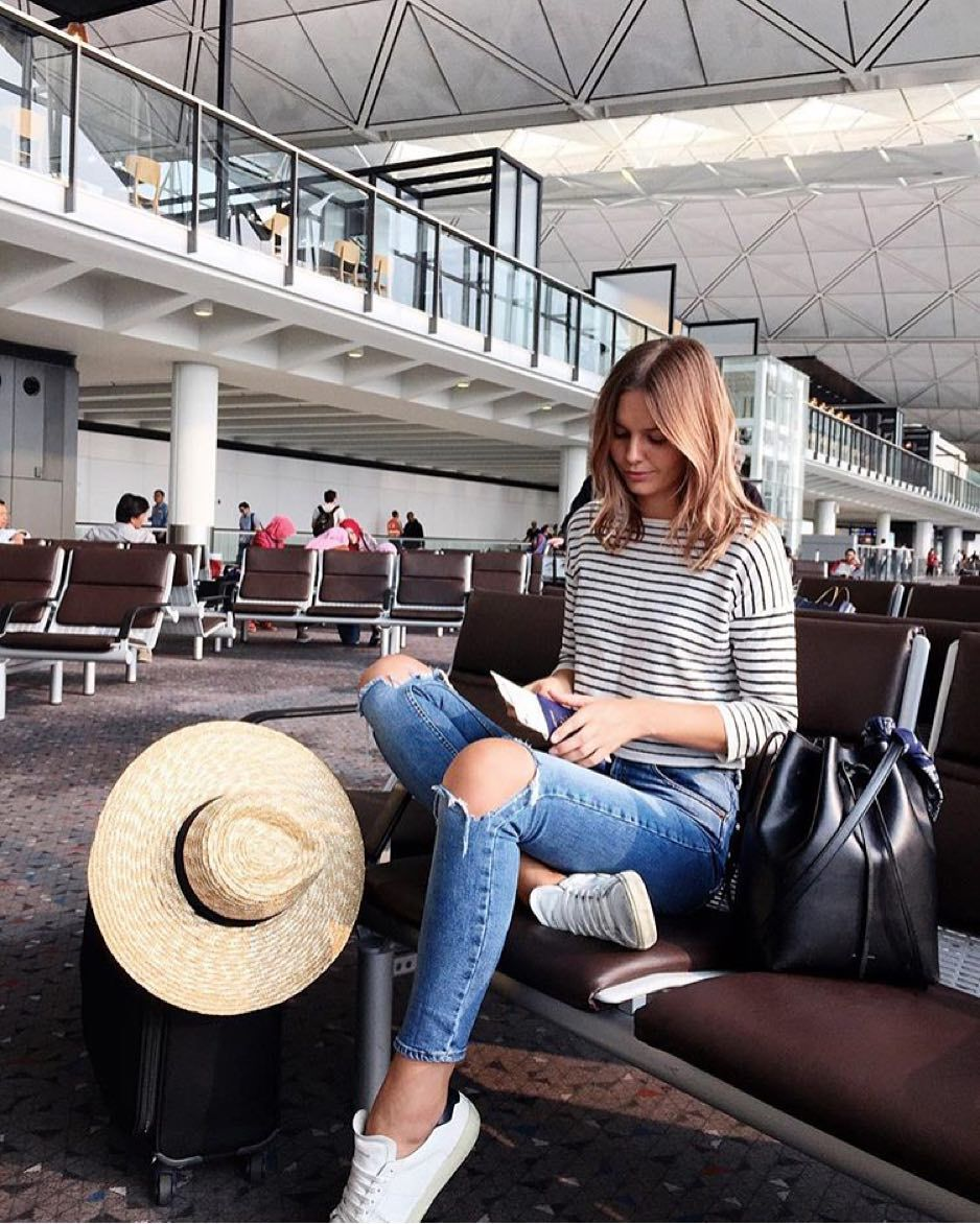 NEW STUNNING INSPIRATION - Airport fit via @fashionfrique Picture tuulavintage #howtochic #outfit #fashionblogger #ootd