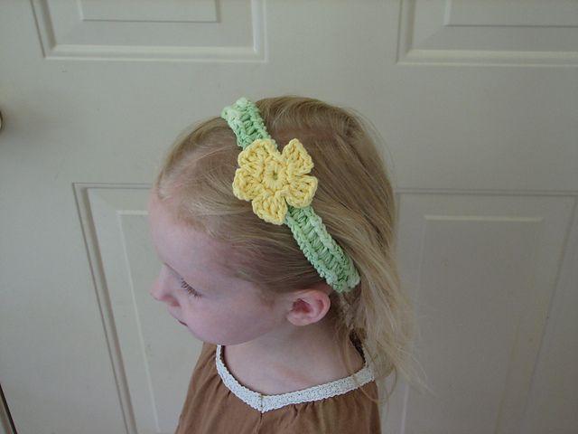 Ravelry: Flower Headband pattern by Kristine Mullen