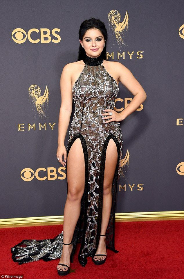 Ariel Winter Shows Off Toned Legs On Emmy Red Carpet