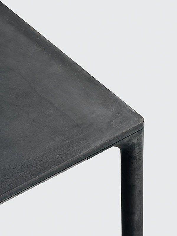 Tavolo Sedie Giardino Cemento.Tavolo In Cemento Boiacca Kristalia Tavolo In Cemento Tavolo