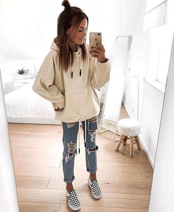 18 Cool Outfits With Forever Loved Ripped Jeans glamsugar.com 1
