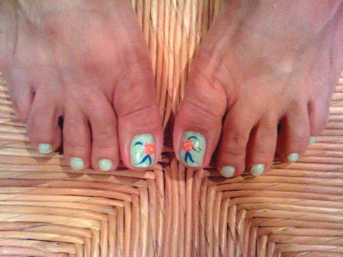 Almost farewell for now to toenail art haiku pinterest toe toenaildesignsdoityourself mint toes my friend pattys toenails in same design different solutioingenieria Gallery
