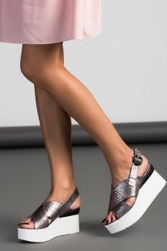 Derimod Bronz Kadin Sandalet Https Modasto Com Derimod Kadin Ayakkabi Sandalet Br7967ct19 Sandalet Kadin Ayakkabilar