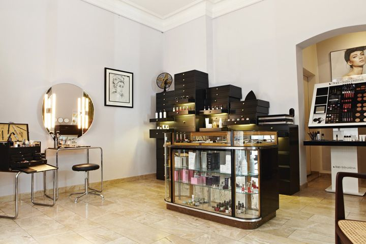 Luis Huber Make Up Studio By Designliga Munich Germany
