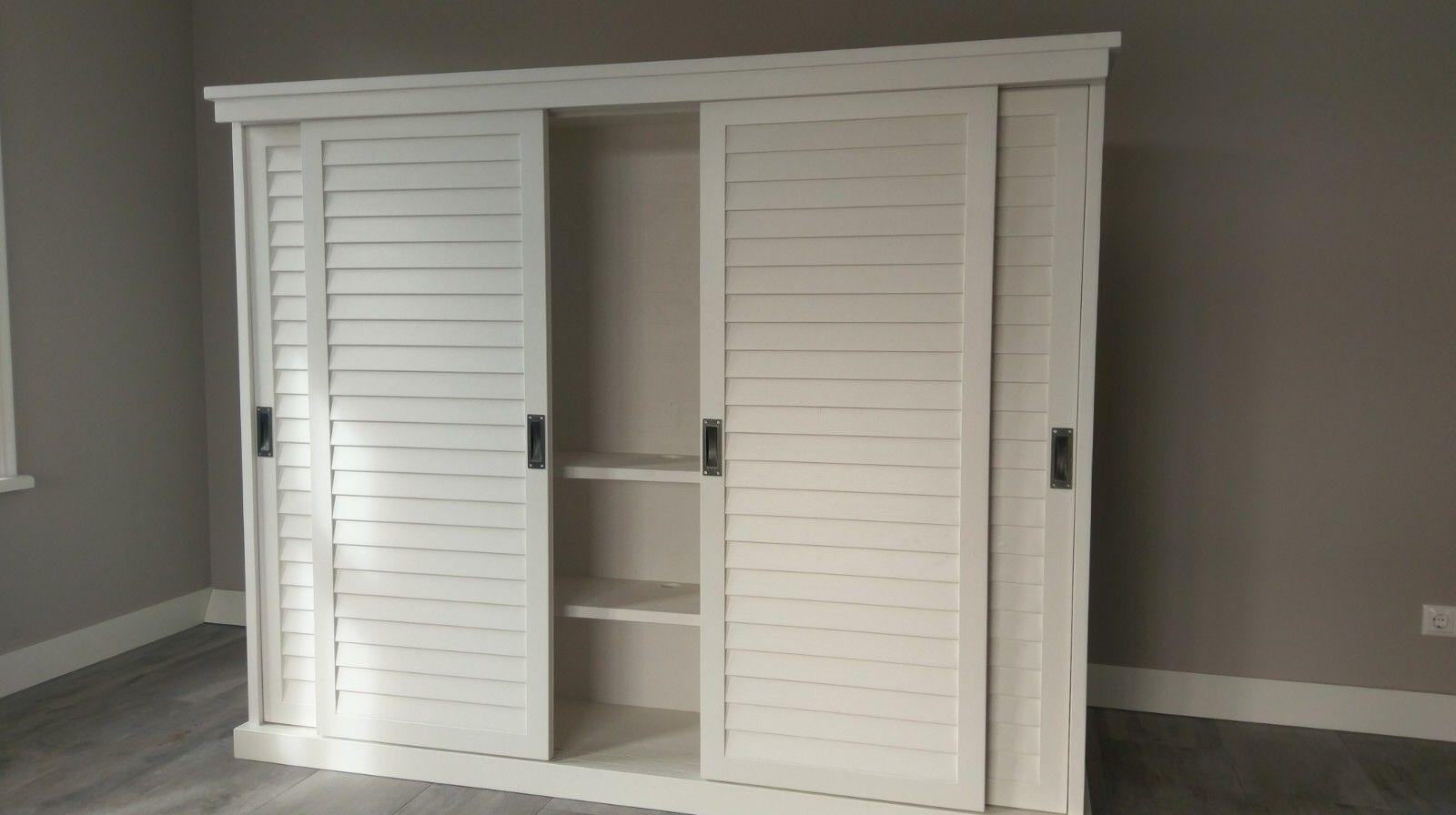Slaapkamer Kast Schuifdeuren : Prachtige witte kast met schuifdeuren voor bijvoorbeeld een