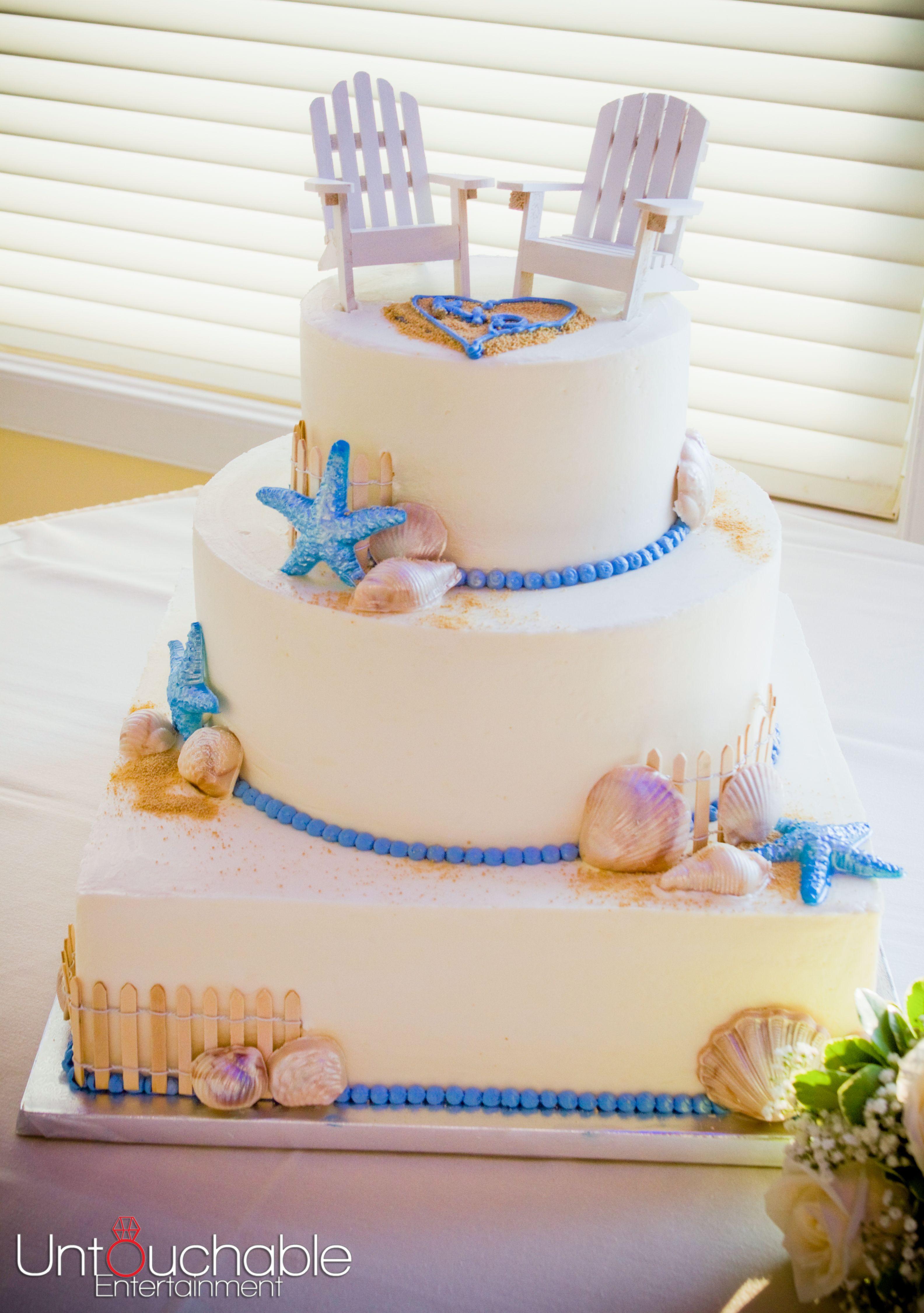 Beach Themed Wedding Cake The Beach Chair Cake Topper Is So