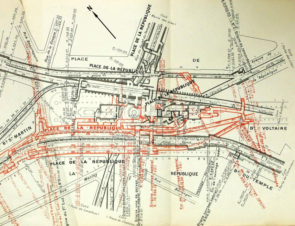 Metro Tunnels Corridors And Entrances At Republique Station In - Paris metro station map