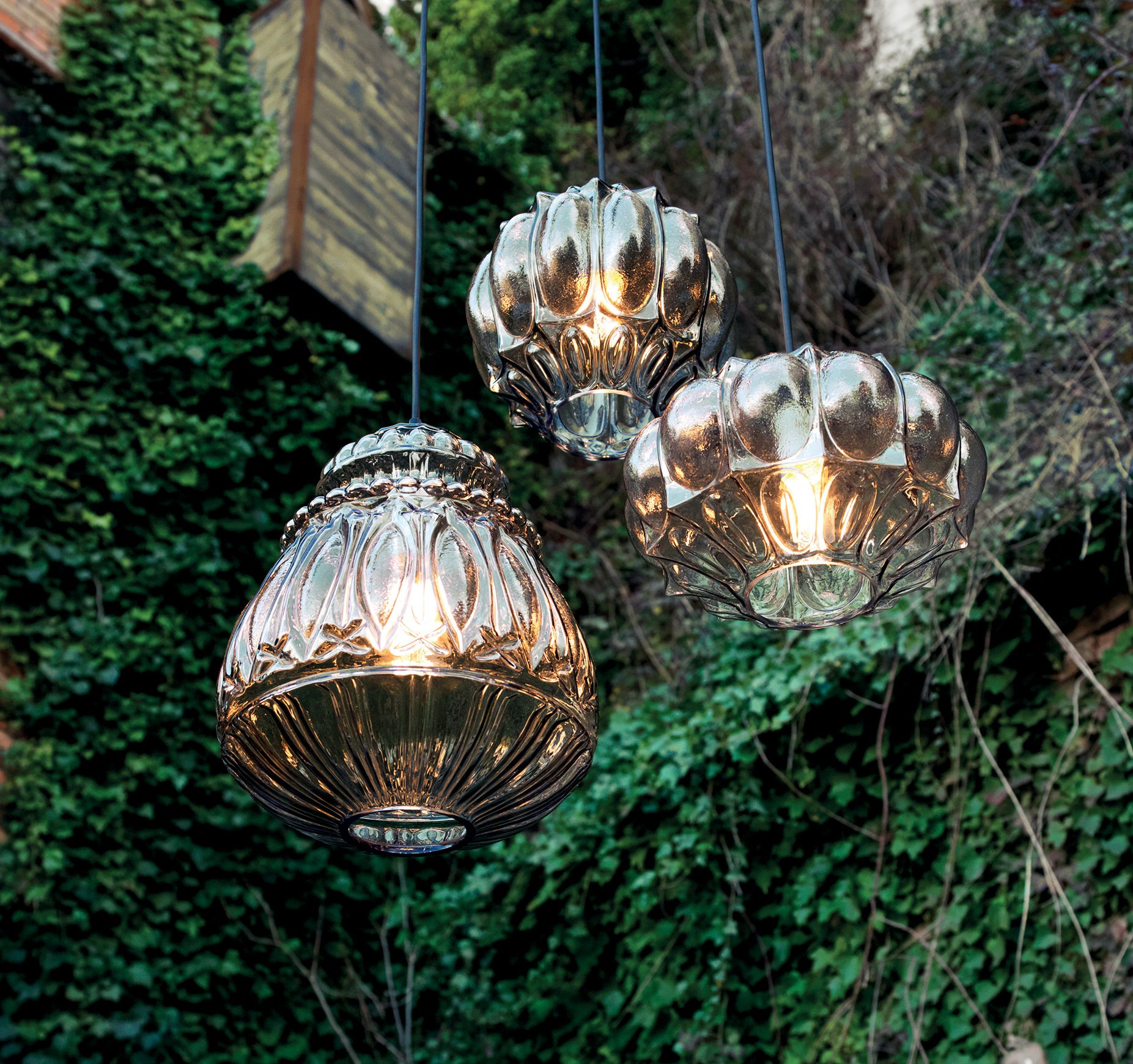 Outdoor Lightingdesign Ideas: Structure In Smoked, Clear Glass In Triple Layer
