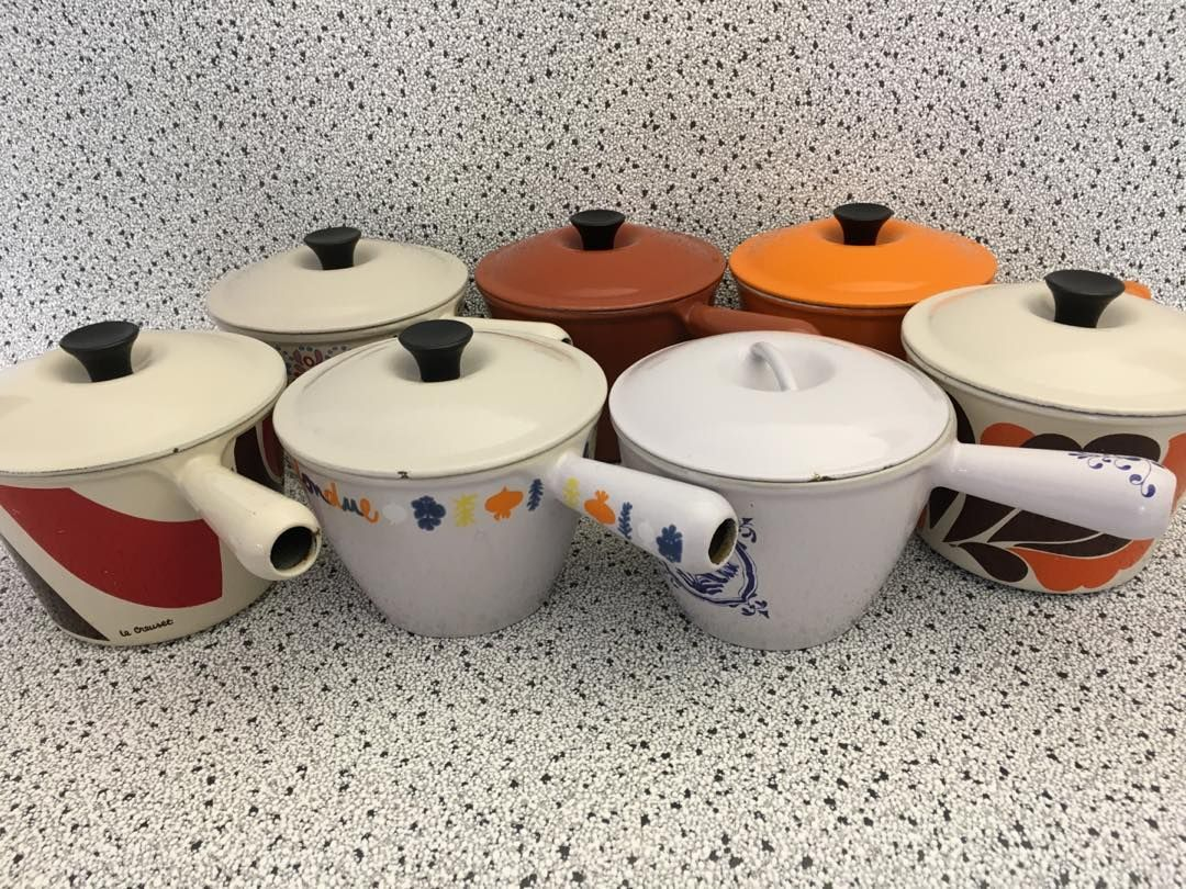 Cute family of Le Creuset pots#givernyvernonvintage#lecreuset#vintagefrancaise#frenchvintage