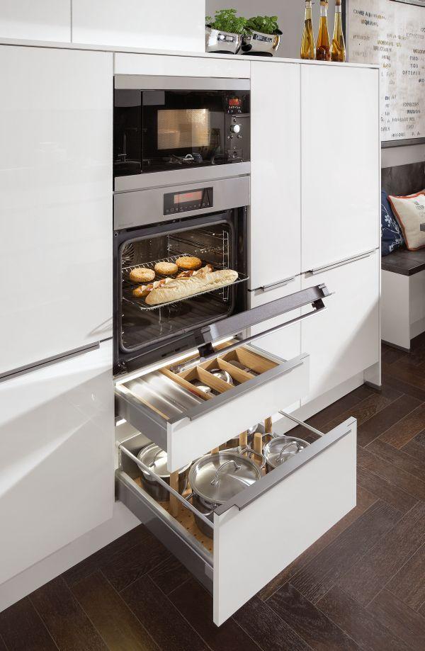 Kuchnia I Meble Kuchenne Artii Praktyczne Rozwiazania Do Kuchni Warszawa Elegant Kitchen Design Kitchen Modular Kitchen Room Design