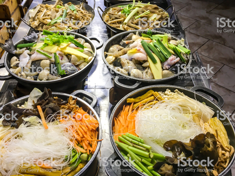 Close Up Shot Of Variation Hot Pot Dish With Raw Vegetables And In 2020 Asian Recipes Hot Pot Street Food Market
