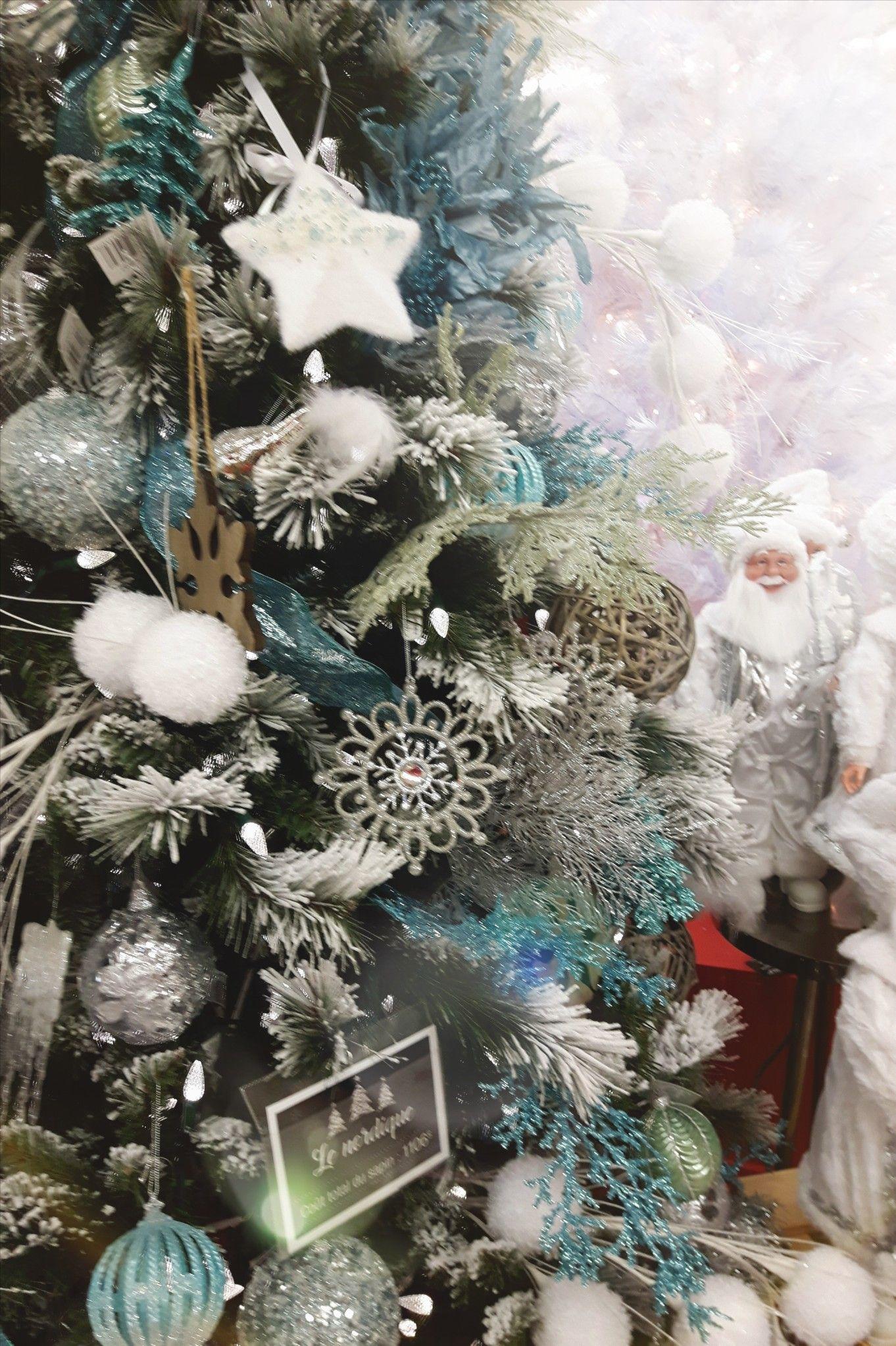 Arbre Bois Blanc Decoration arbre de noël 2018, bleu poudre, blanc, argent et bois