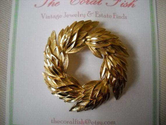 Vintage Crown Trifari Golden Leaves Wreath Brooch