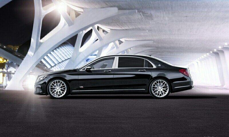 Mercedes Brabus maybach 900 Rocket