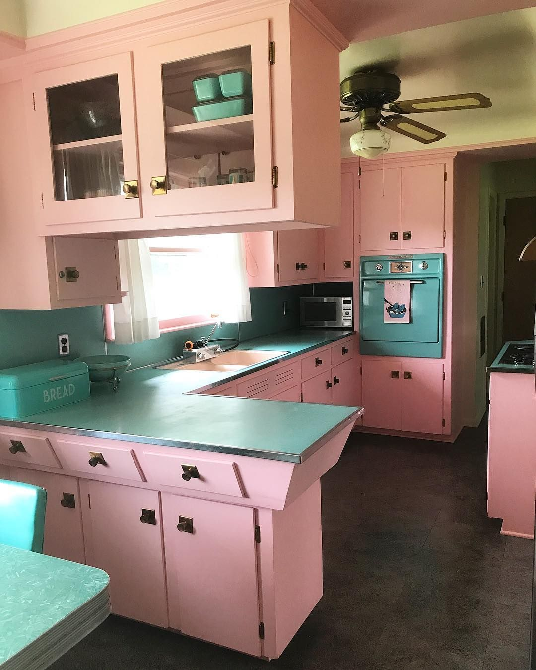 Pin By 12 Sakko On Pinterest Pink Houses Kitchens And