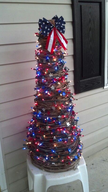 My 4th of July grapevine tree! Mesh Trees Pinterest Holidays