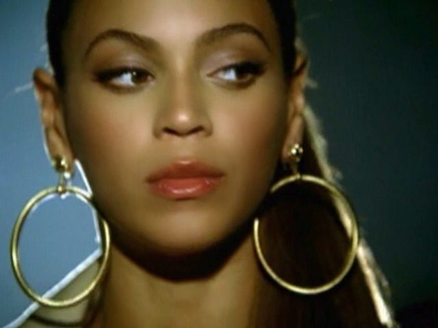 Beyoncé in Ring The Alarm music video