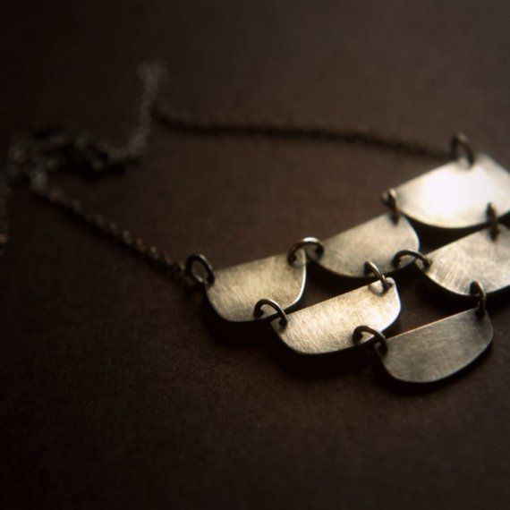 there's something so sweet and simple about this necklace.