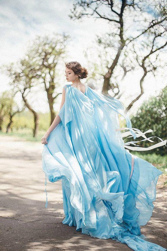 Abito da sposa in chiffon bohemien cielo blu di LiluBridal su Etsy