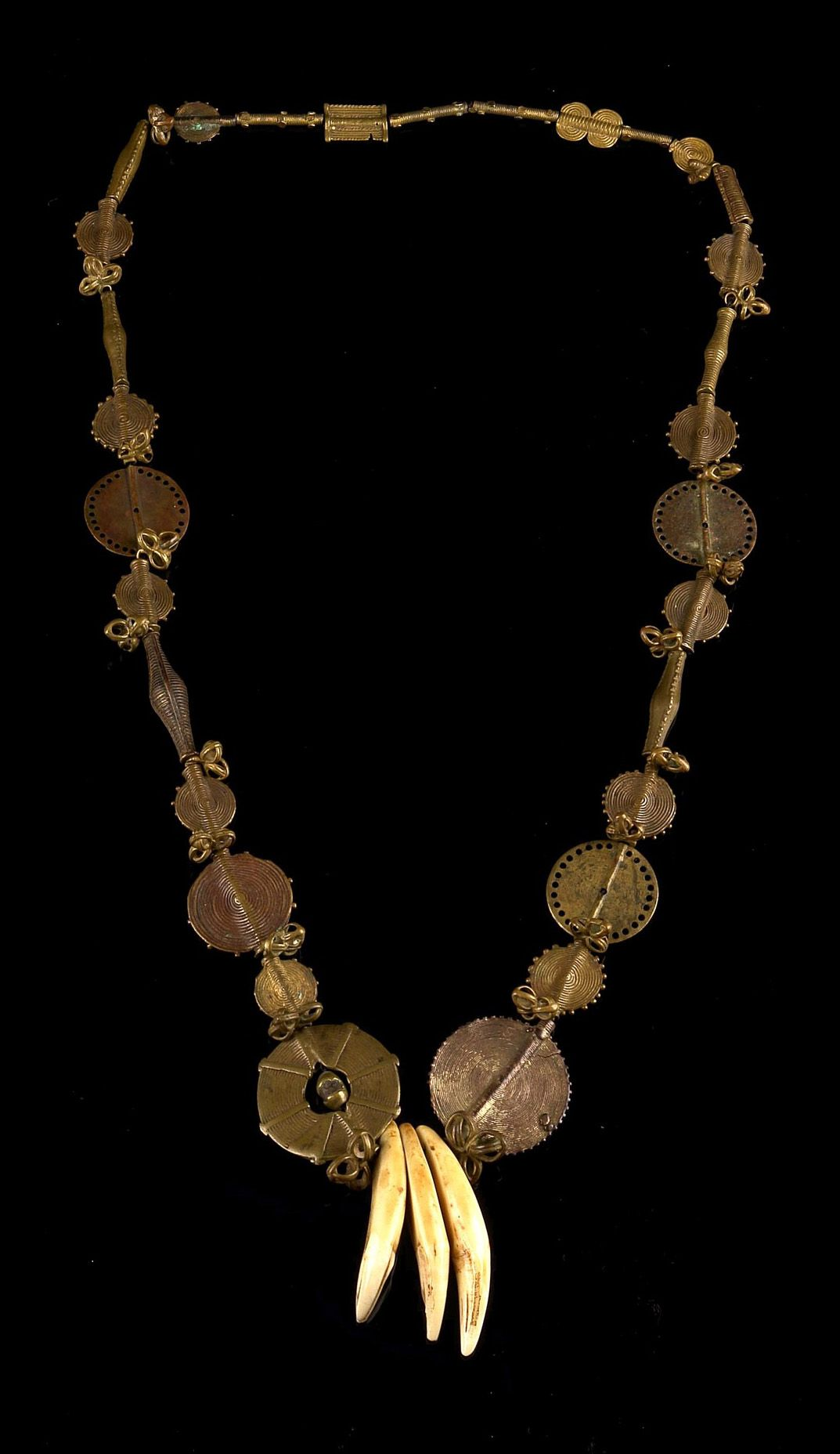 4b2c99adf Africa | Necklace from the Ashanti people of Ghana | Brass, copper alloy |  Est. 500 - 1000€