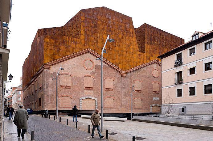 Caixa forum madrid by herzog de meuron photographed for Herzog de meuron madrid