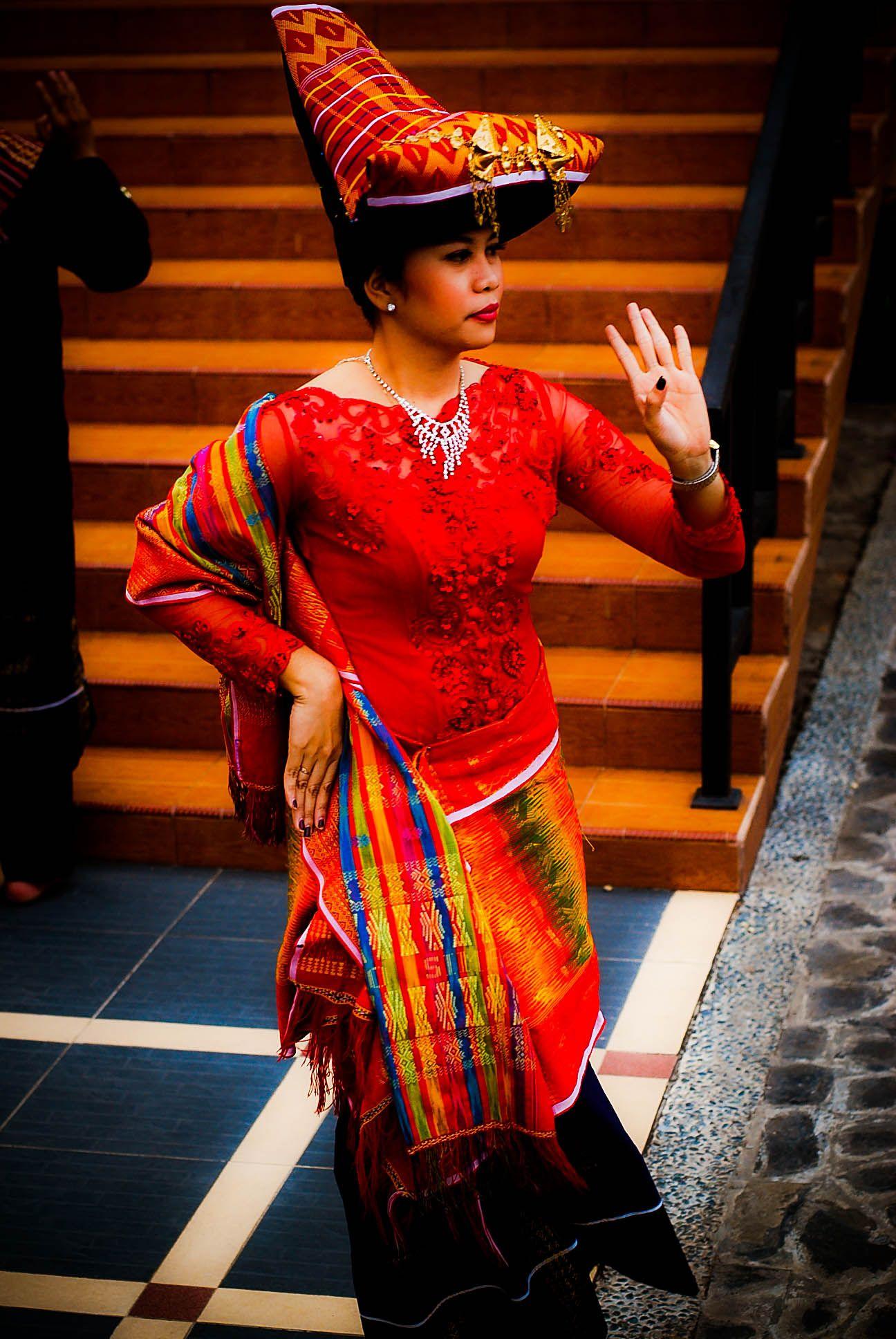 Pakaian Adat Batak Toba Sumatera Utara