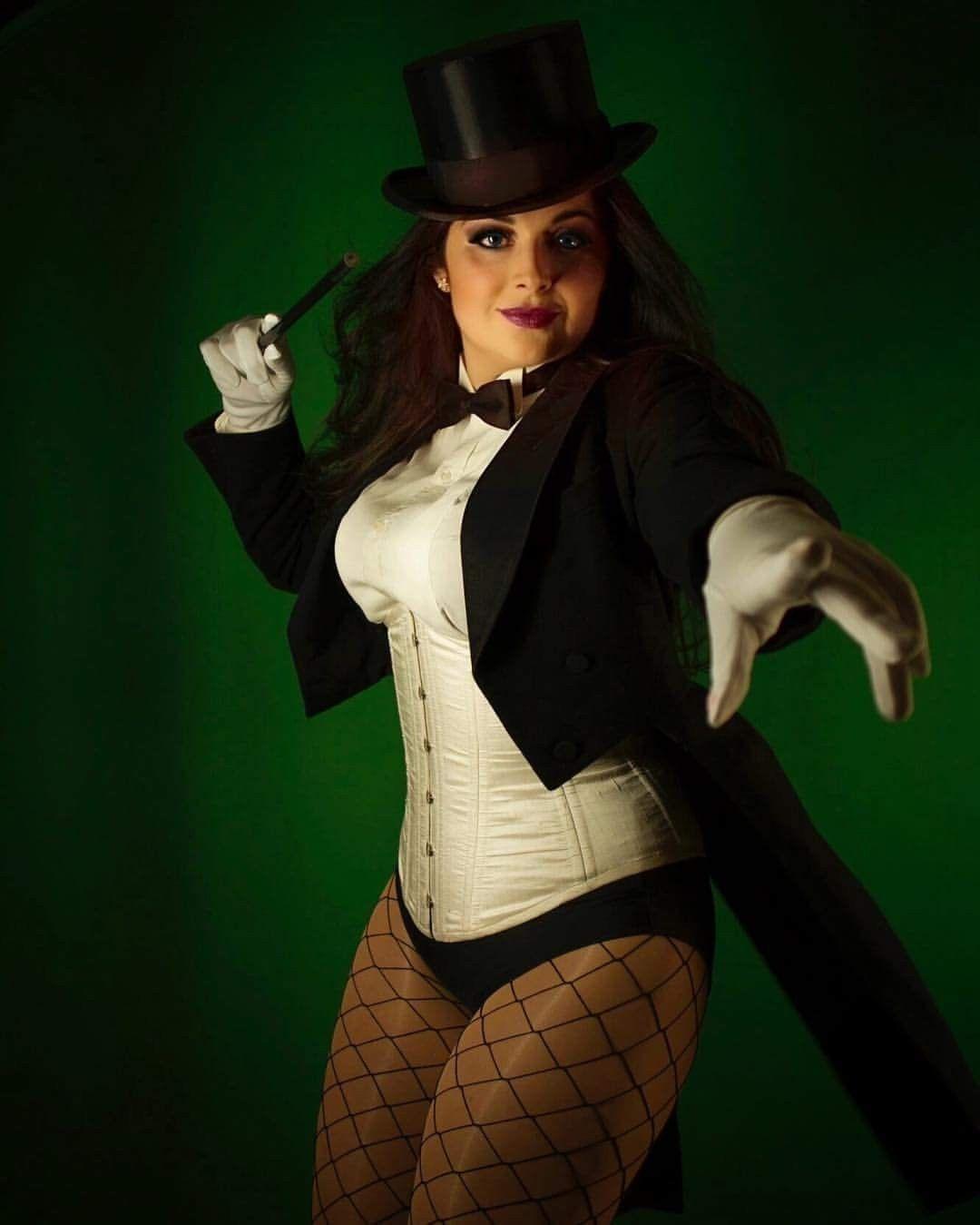 Zatanna Zatara (DC) #cosplay   Cosplay outfits, Zatanna